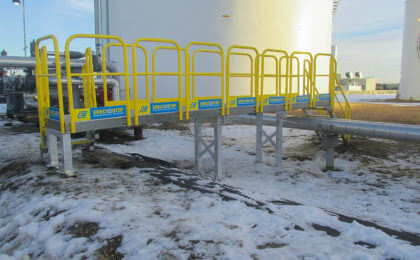 Industrial stair multiple universal platform pipe crossover